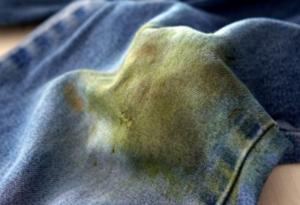 enlever les tâches de ses vêtements herbe pantalon